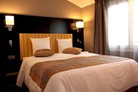 93740_004_Guestroom