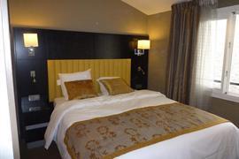 93740_005_Guestroom