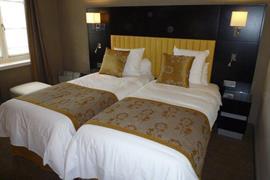 93740_006_Guestroom