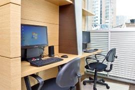 76419_002_Businesscenter