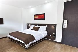 76419_004_Guestroom