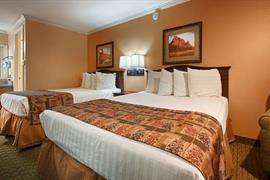 38083_007_Guestroom