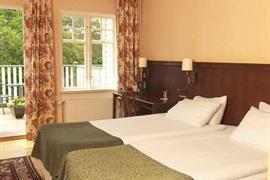 88145_004_Guestroom