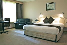 90782_005_Guestroom