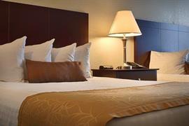 33110_003_Guestroom