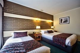 90253_007_Guestroom