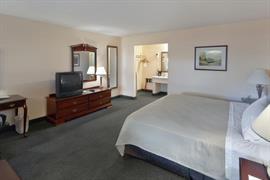 44361_006_Guestroom