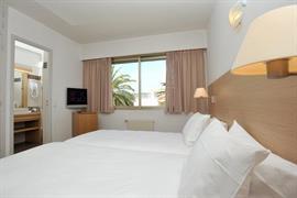 93607_001_Guestroom