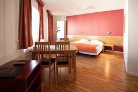88197_004_Guestroom