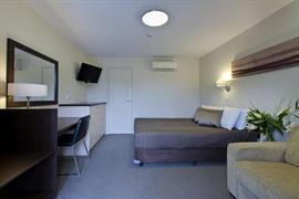 90940_004_Guestroom