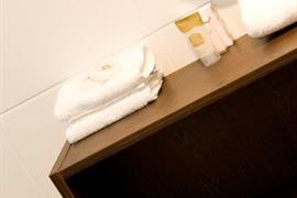 90940_007_Guestroom