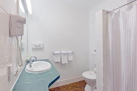 90709_007_Guestroom