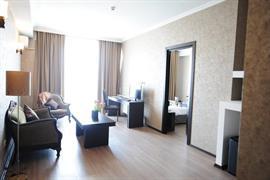 91450_006_Guestroom