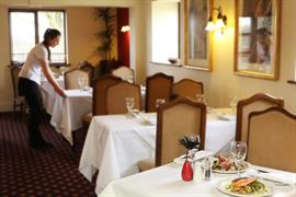 the-gables-hotel-dining-32-83878