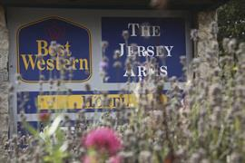 jersey-arms-grounds-and-hotel-10-83710