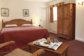jersey-arms-bedrooms-02-83710