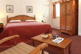 jersey-arms-bedrooms-05-83710
