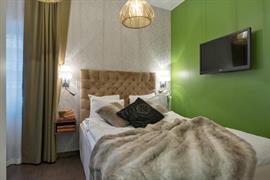 88205_001_Guestroom