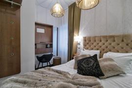 88205_002_Guestroom