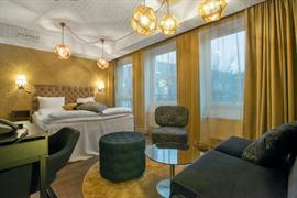 88205_006_Guestroom