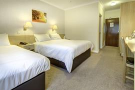 royal-chase-hotel-bedrooms-10-83064