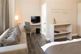95294_007_Guestroom