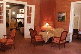 73117_002_Guestroom