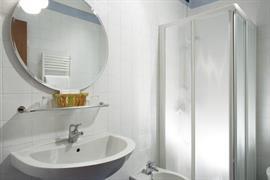 98334_004_Guestroom