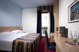 98334_005_Guestroom