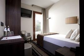 98334_006_Guestroom