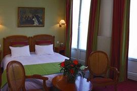 93570_005_Guestroom