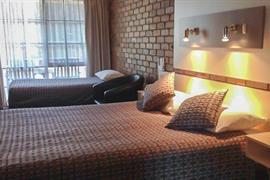 90562_006_Guestroom