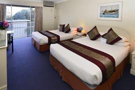 90078_006_Guestroom
