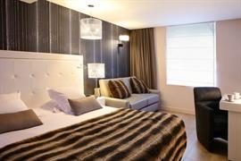 93806_006_Guestroom