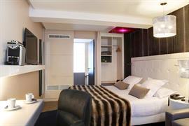 93806_007_Guestroom