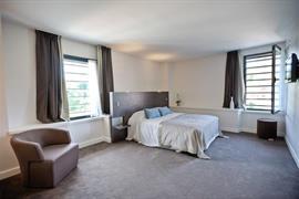 93704_007_Guestroom