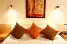 90897_005_Guestroom