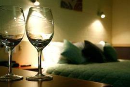90897_007_Guestroom