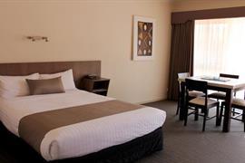 97315_004_Guestroom