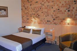 97315_006_Guestroom