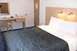 west-grange-hotel-bedrooms-01-83868
