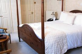 weston-hall-hotel-bedrooms-04-83768-OP