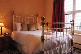 weston-hall-hotel-bedrooms-05-83768
