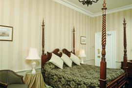 willerby-manor-hotel-bedrooms-06-83780