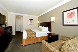 05663_005_Guestroom