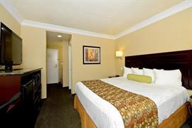 05663_007_Guestroom