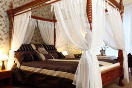 woodlands-hotel-bedrooms-09-83507