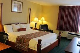 36082_006_Guestroom