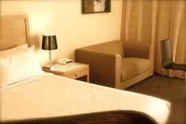 90287_004_Guestroom