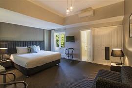 97444_005_Guestroom